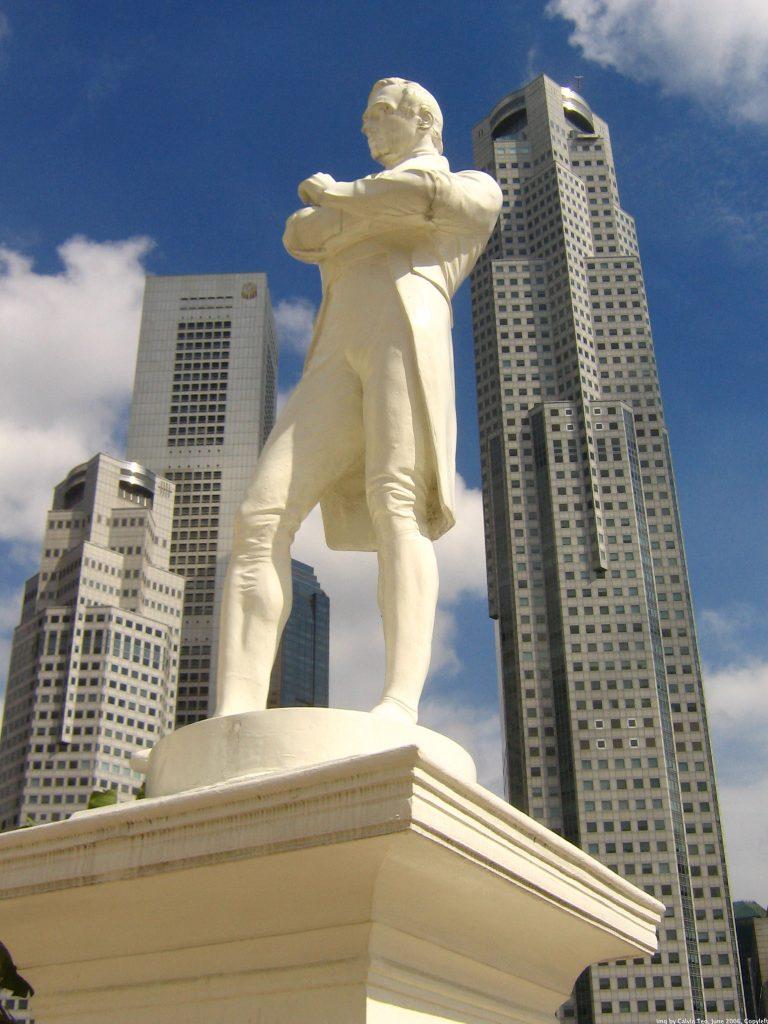 Raffles-Statue