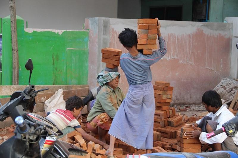 Arbeitende Kinder und Frauen